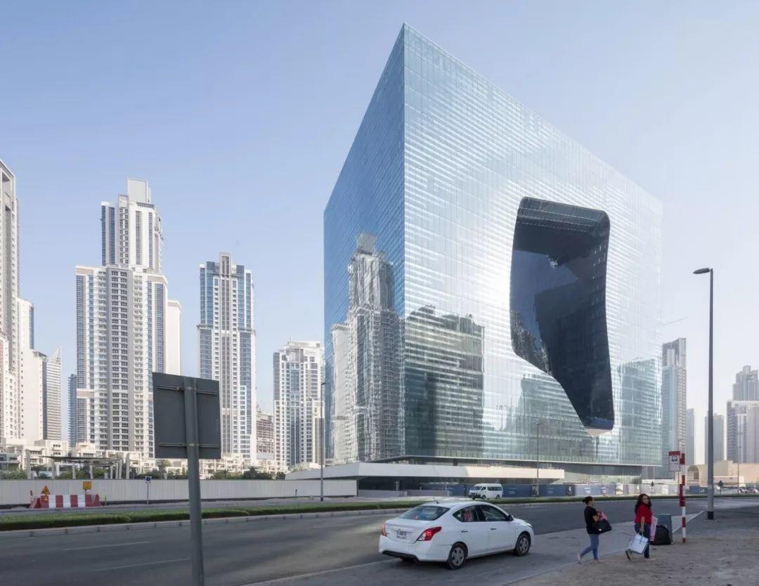扎哈事务所新作'迪拜奥普斯酒店',方体间刻画雕塑形态