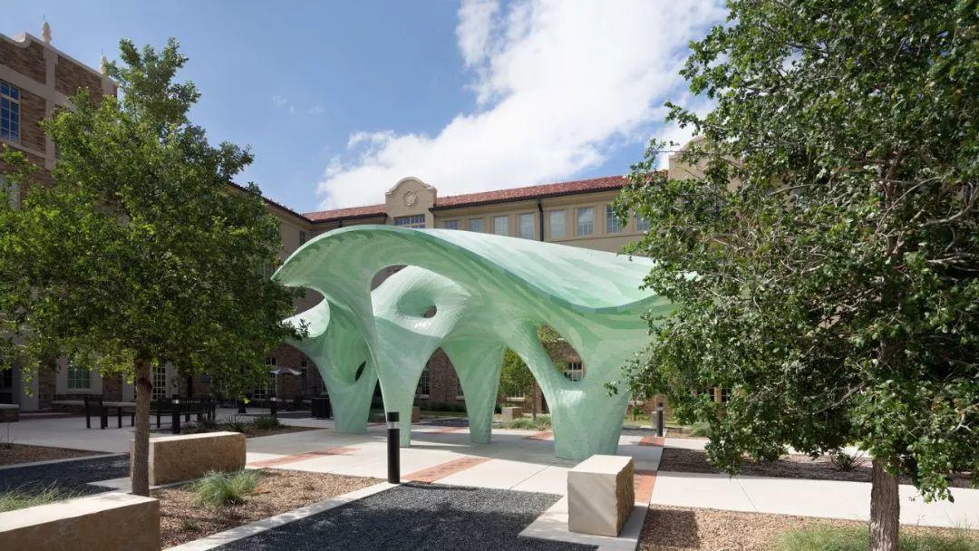 """牛!离开扎哈后的异形建筑师,他用自创的超薄""""自支撑""""结构惊艳世人!"""